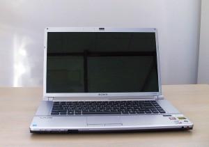 лаптоп SONY
