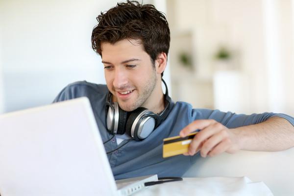 Няколко клика до желания компютър, или предимствата да пазаруваш онлайн