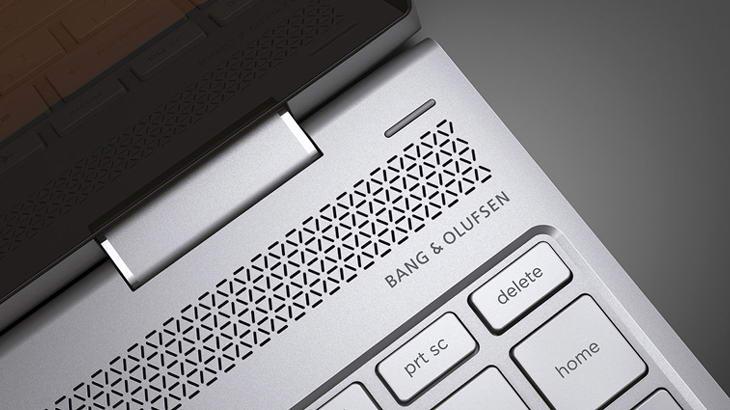 Тази година серията HP Spectre x360 идва с 4К модели и активна писалка