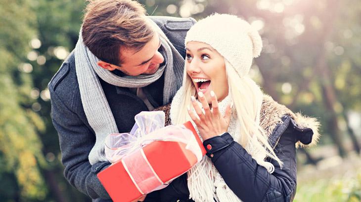 """Какво да подарим на любимата жена за """"Св. Валентин""""?"""