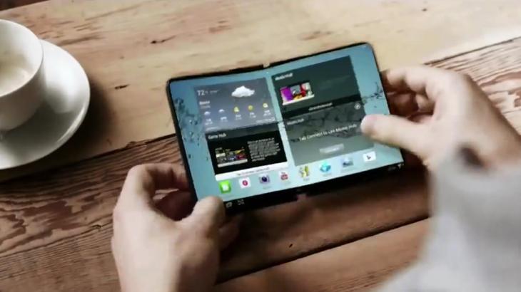 LG и Samsung в надпревара за първия огъващ се смартфон
